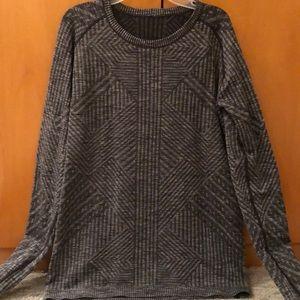 Lululemon women's patterned running shirt